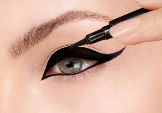 I got Super smart, but sometimes you over-think things.! What Does Your Eyeliner Say About You?