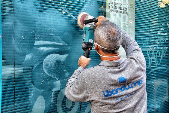 Eliminación graffitis en acido mediante micro pulido.