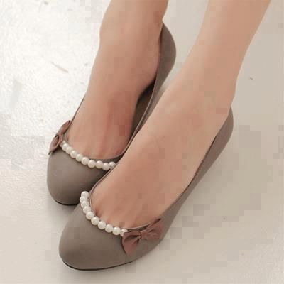 diy fashion - embellished ballet flats - the same idea but use funky jewels or beads