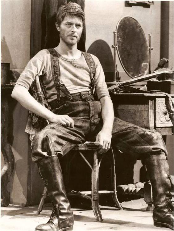 5_David_Bowie_lumberjack.jpeg 685×909 pixels: