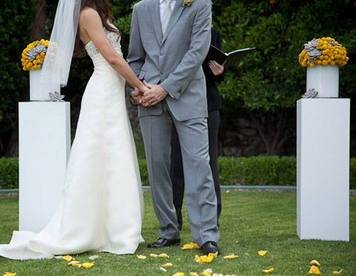 simple ceremony floral