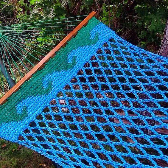 Summer flashback wave border hammock-ocean blue and kelly green with oak spreaders. #Nantucket #hammock #handmade #hammocking #hammocklife #crochet #waveimage #crochetdesign #tapestrycrochet #instacrochet #diy #craft #outdoorfurniture #islandlife #getoutside by @nantuckethammockdesigns