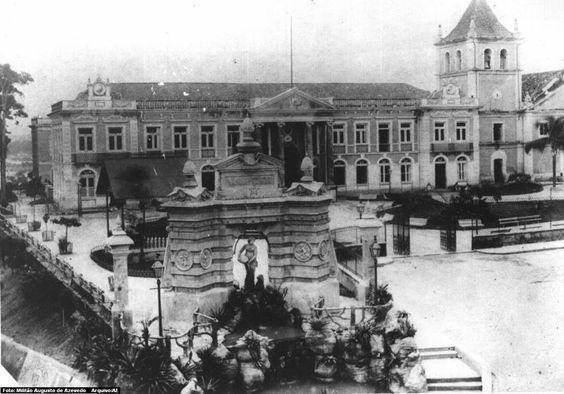 Pátio do Colégio - 1887: Considerado o marco da fundação da cidade de São Paulo.