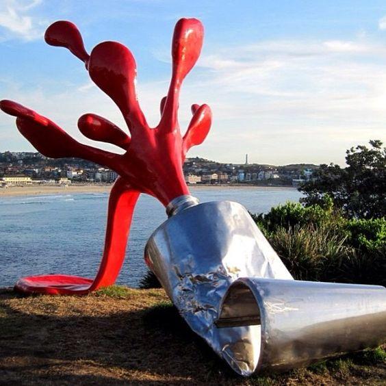 'SPLASH', de Tomas Misura, em Sydney, Australia. #escultura #sculpture #arte #artes #arts #art #urbanart #arteurbana #artlover #design #architecturelover #architecture #arquitetura #instagood #instacool #instadaily #design #projetocompartilhar #davidguerra #arquiteturadavidguerra #shareproject #splash #tomasmisura #sydney #australia