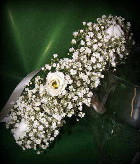 Coroncina di gipsofila e fiori di lisanthus o roselline adatta  per Comunione…