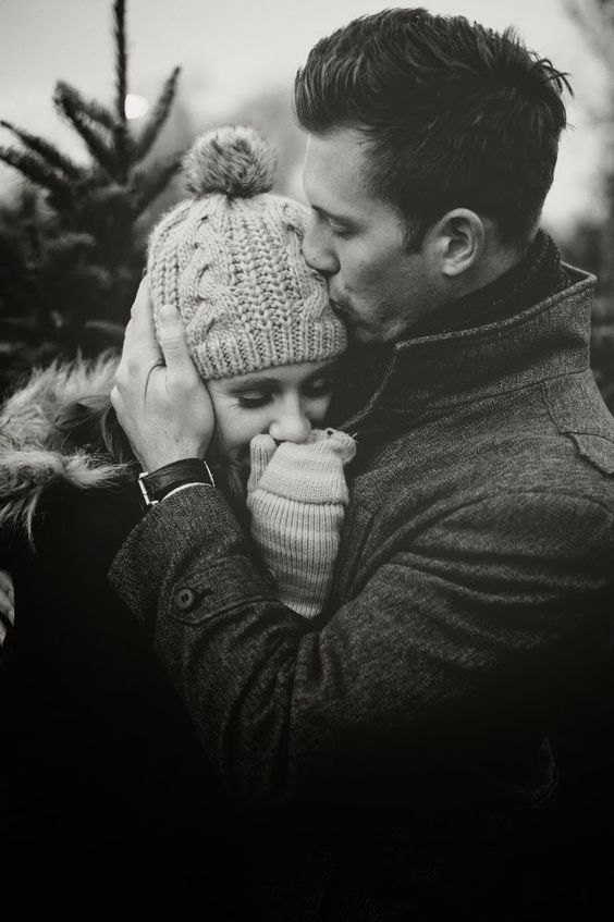 winter kiss. If I ever have a winter wedding I'll have this type of save the date picture b