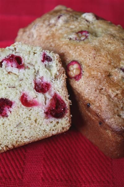 This cranberry nut bread is packed full of fresh tart cranberries and ...