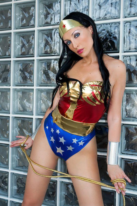 Giorgia Cosplay als Wonder Woman
