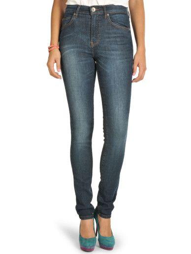 coole dunkelblaue Jeans von Dr. Denim,schmal geschnitten,angesagte Used-Waschung mit Knittereffekten,klassischer 5-Pocket Style mit Zipfly,logogeprägter Knopf und Nieten,kontrastfarbige Nähte,das Logopatch ist hinten am Bund angebracht,innere Beinlänge in Größe 28/32 ca.81cm,unser Model trägt Größe 28/32
