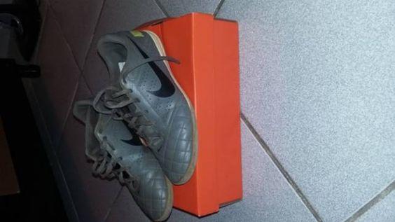 Vendo chuteira Nike original (Número 39)  7e8b719340db9
