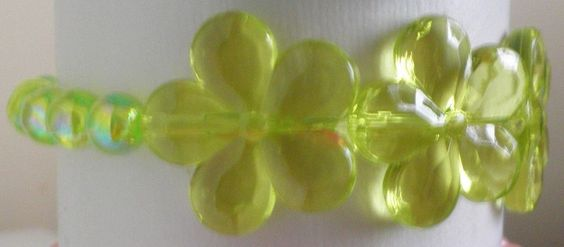 Bracelet enfant-perles-fleurs-princesse-fée-flower-élastique-vert-vertes-green