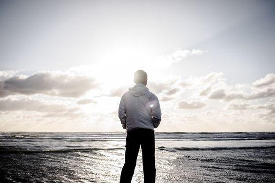 João 1: 14:51 O primeiro versículo de João fala da revelação através do verbo, mas no versículo 14 ele se permitiu ver. A palavra que é invisível se tornou visível. Podemos dizer que esse texto fala de uma visão aberta. Uma visão clara pode nos sustentar em momentos de dúvida, de dor. Simeão, ao pegar …