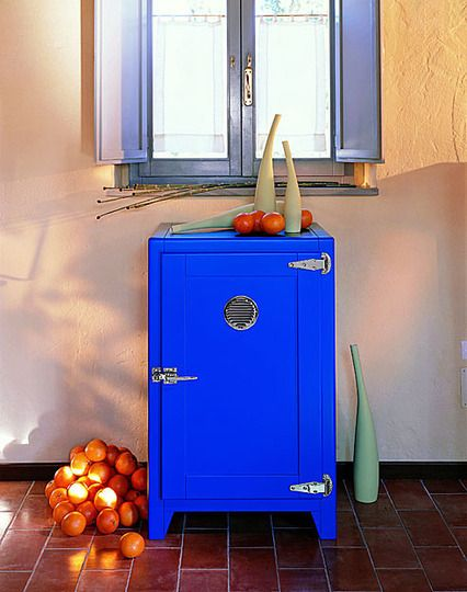 Vintage Inspired Refrigerators by Portobello Street... Dont know if I'd do one of these as my main fridge but how cute for a guest room stocked with water etc.  Could even double as a night table.