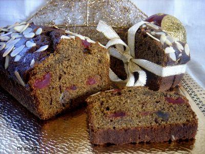 Plum-cake de melaza y frutas escarchadas