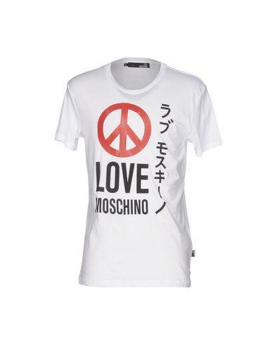 LOVE MOSCHINO T-shirt. #lovemoschino #cloth #top #pant #coat #jacket #short #beachwear