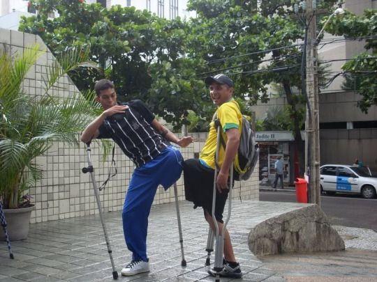 One-legged duo