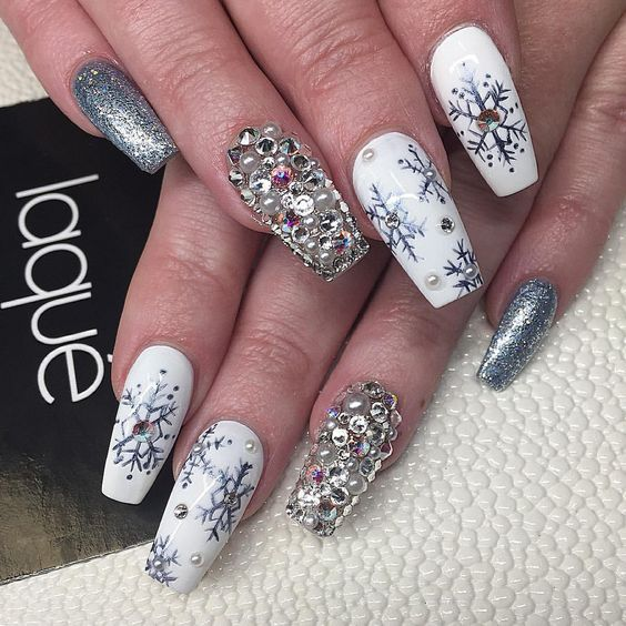 Top 10 Light Color Christmas Snowflake Coffin Nails in 2019