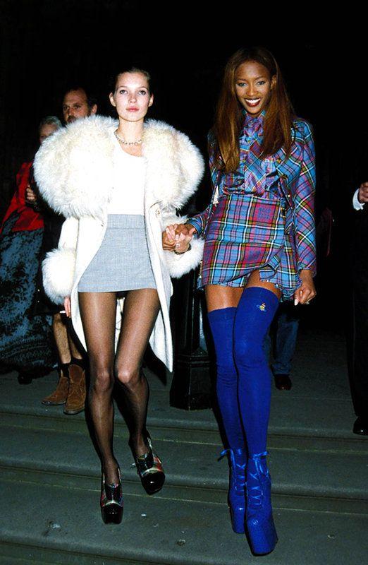Kate Moss y Naomi Campbell:  Ya en 1991 las tops eran amigas inseparables. Aquí, en los premios Diseñador del año de la London Fashion Week.