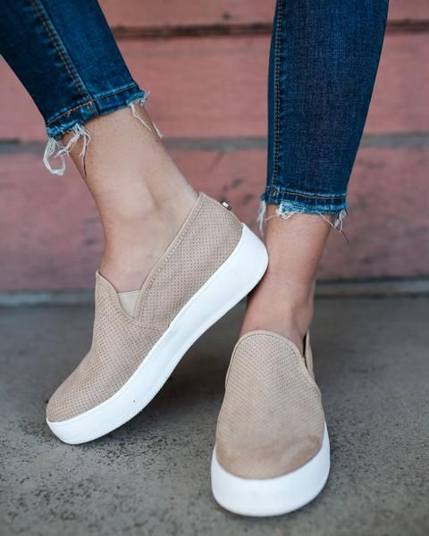 8 Sensitive Simple Ideas: Balenciaga Shoes Snapchat balenciaga shoes haute couture.Gucci Shoes Sport chanel shoes b…   Trending shoes, On shoes, Leather shoes woman