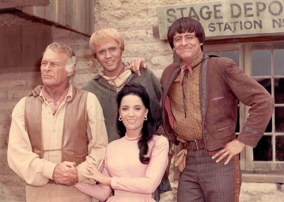 High Chaparral(Originaltitel:The High Chaparral) ist eineWestern-Fernsehserie, die von 1967 bis 1971 in 97 Folgen (ein Pilotfilm und 96 Episoden) für den US-SenderNBCproduziert wurde.