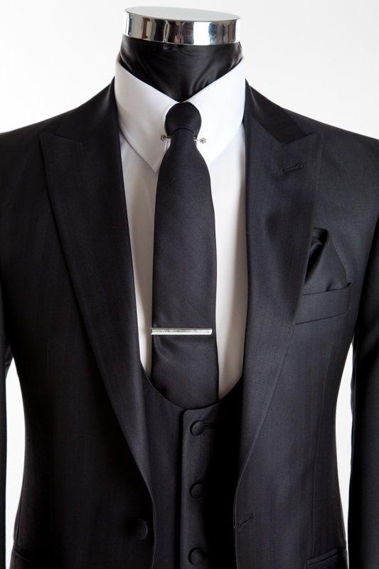 Slim Wedding Suit - Richmond Silk Black - Close Up | Xavier