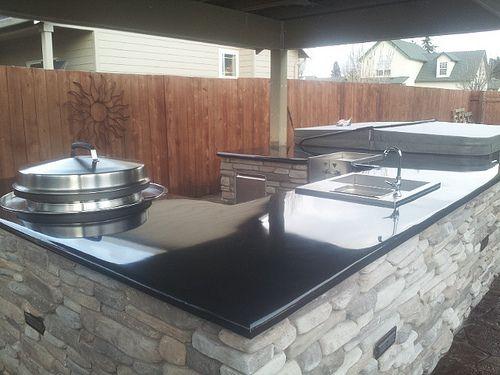 Outdoor kitchen concrete counter top