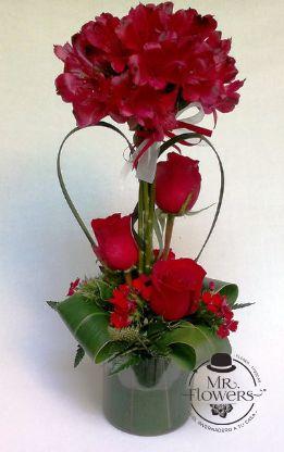 Centro de Mesa con Rosas y Astromelia