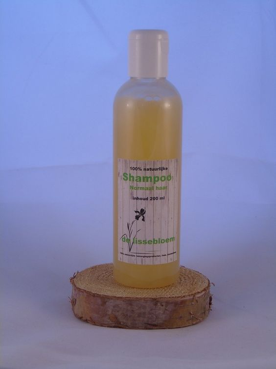 """Natuurlijke verzorging:Shampoo Normaal Haar """"De Lissebloem"""" 200ml Ingrediënten zijn 100% natuurlijk: Aloë vera gel, Klimop extract, Calendula extract, Macadamia olie, Vitamine E, Caroteen olie, milde wasactieve tensieden. www.delissebloem.be"""
