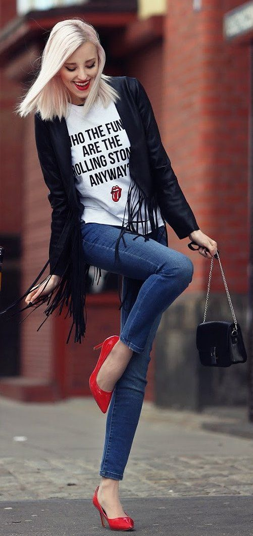 Black Leather Jacket / Printed White Top / Blue Skinny Jeans / Red Pumps