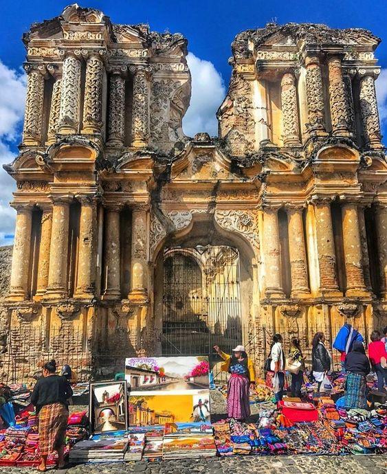 http://OkAntigua.com  @marco_radames: Another Artisans Market - Del Carmen Church ruins #Antigua #Guatemala #ILoveAntigua #AmoAntigua #travel #CentralAmerica #AntiguaGuatemala