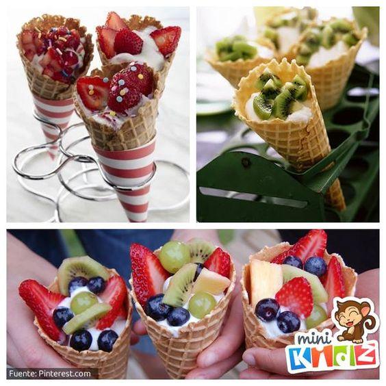 Cono de helado con yogur y fruta delicioso decorar con - Calorias de un cono de helado ...