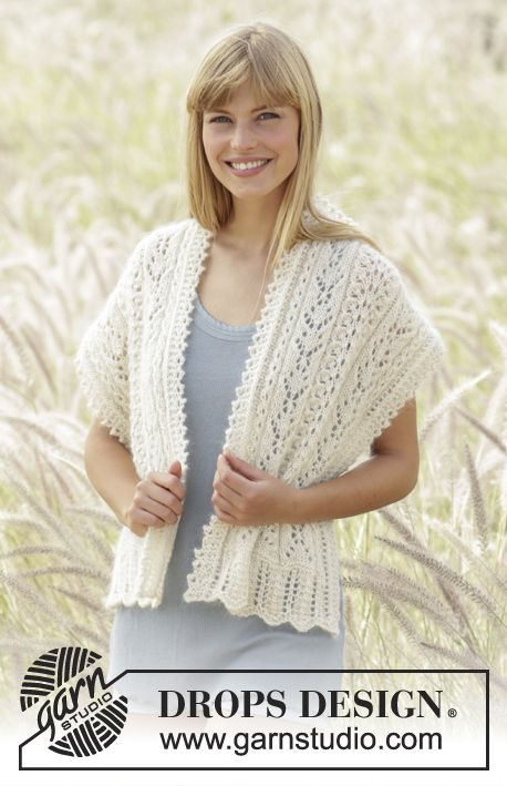 """Stole with #lace pattern and small cables in """"Alpaca"""" and """"Kid-Silk"""" Free #knitting pattern by DROPS Design"""