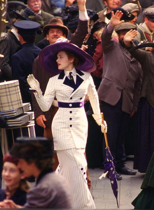 Kate Winslet as Rose DeWitt Bukater in Titanic (1997).:
