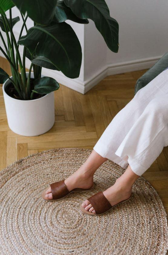 Klapki Skorzane Idealne Na Lato Fashion Shoes Mule Shoe