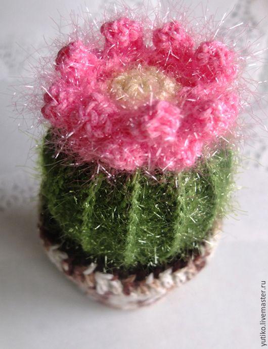 """Купить Кактус-игольница, """"колючий"""", с розовым цветком - оливковый, кактус-игольница, оригинальный подарок"""