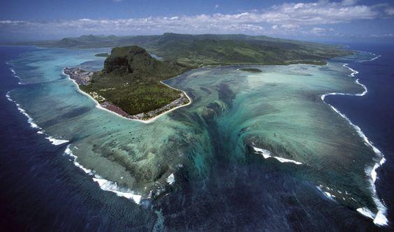 Atlantic Ocean Underwater Mountains Atlantic ocean underwater