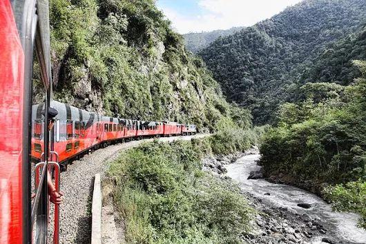 Tren Ecuador continúa llamando la atención del mundo turístico  