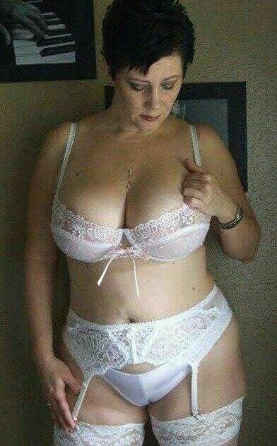 Mature Lady Fucks Young