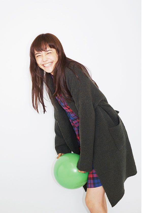 屈託のない笑顔を見せる松井愛莉