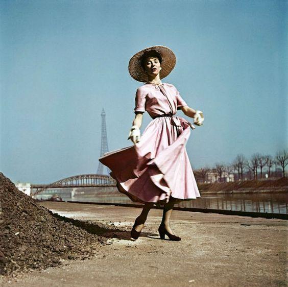 Capa Frank Paris 1949  robe Dior