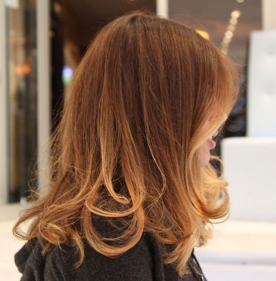 The length is hairspiration. In love w how perfect this soft ombré effect goes with her soft layers. Classy and effortless.