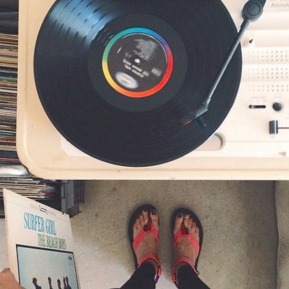 Beach Boys, vinyl, and Originals. (pc: @thebuenoshop)