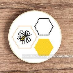 Bee PDF counted cross stitch pattern by galabornpatterns on Etsy
