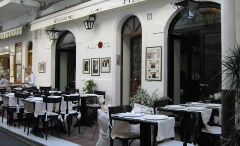 The oldest active restaurant on capri ristorante aurora for Aurora italian cuisine