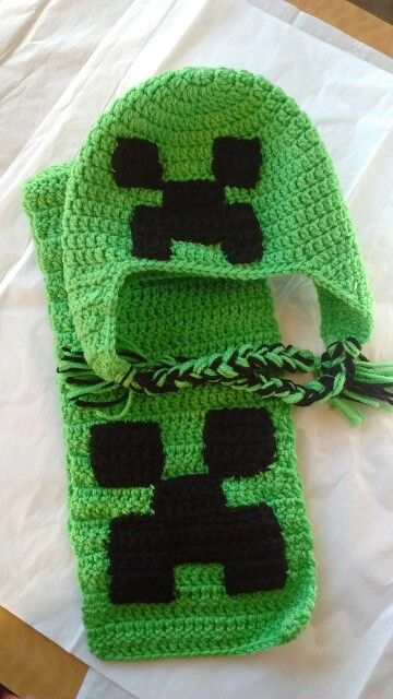 Minecraft inspired hat and scarf