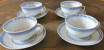 Tolles kombinierbares Teeservice bestehend aus 6 Gedecken weiß mit blauem…