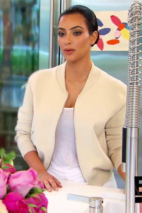 Kim Kardashian in Keeping Up With The Kardashians S10E03