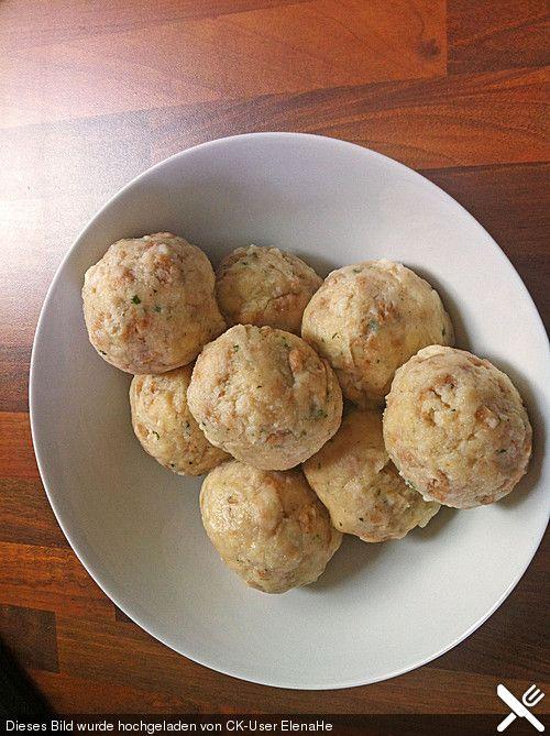 Gluten free Semmelknödel. Recipe in German