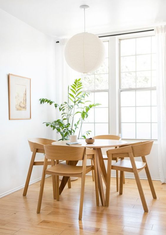 Dining table and chairs | Melanie Burstin