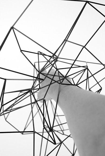 """Dominique Thomas Vansteenberghe  - """"entrelacs"""" Travail dans l'espace, détail, fibre de carbone, photo D.Thomas 2015"""